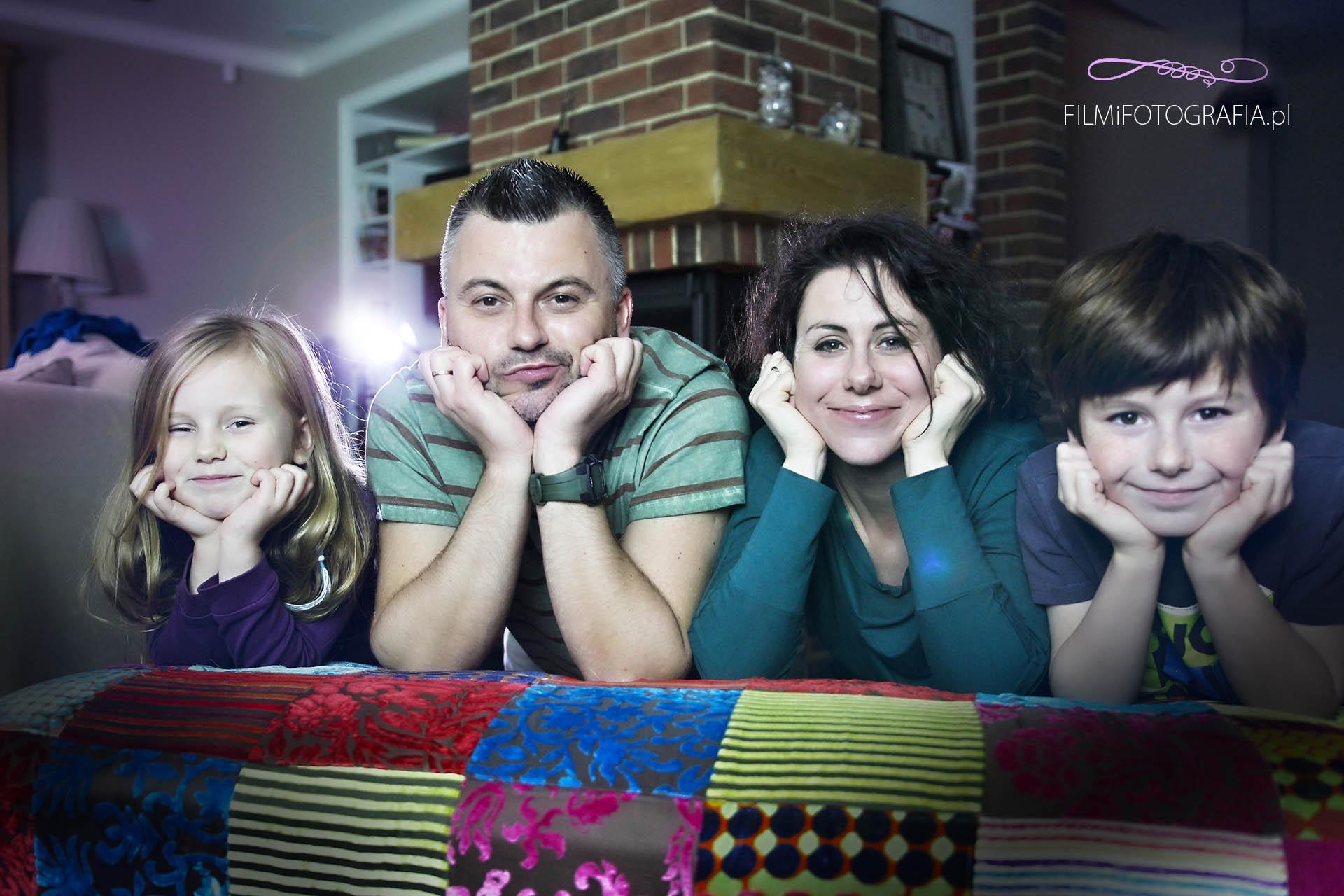 sesja rodzinna grodzisk mazowiecki, sesje rodzinne, fotograf grodzisk mazowiecki, fotografia okolicznościowa, sesja rodzinna w domu